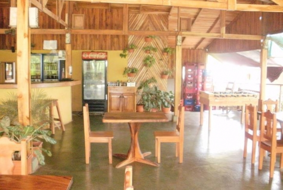 Restaurant-Bar Latinos: authentic Costa Rican cuisine