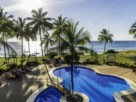 Hotel Iguanazul Beach Community