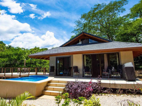 Paraiso de Vida Vacation Homes for Sale or Rent